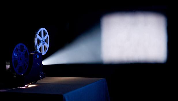 """""""Cine y Medicina"""": Una experiencia docente en el Grado"""